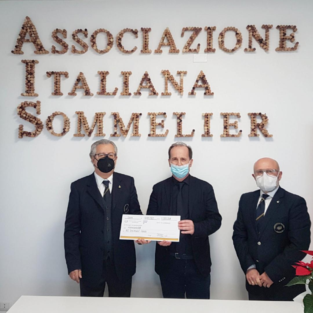 Consegna della donazione di AIS Romagna all'IRST.