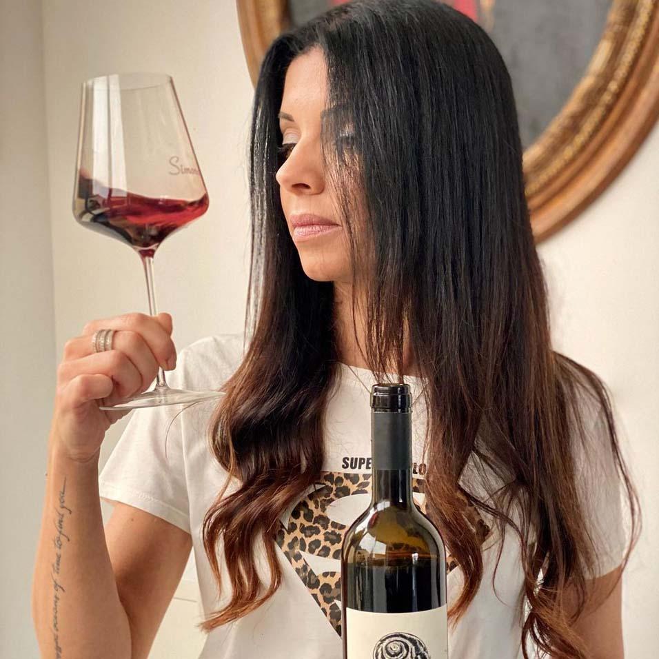 Simona Geri wine influencer
