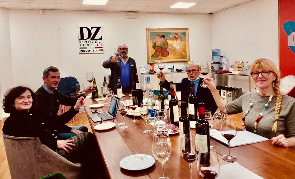 Alla scoperta dell'azienda agricola I Sabbioni e delle sue etichette. Nella foto, Caterina Valbonesi, Stefano Buda, Marinella e Stefano.